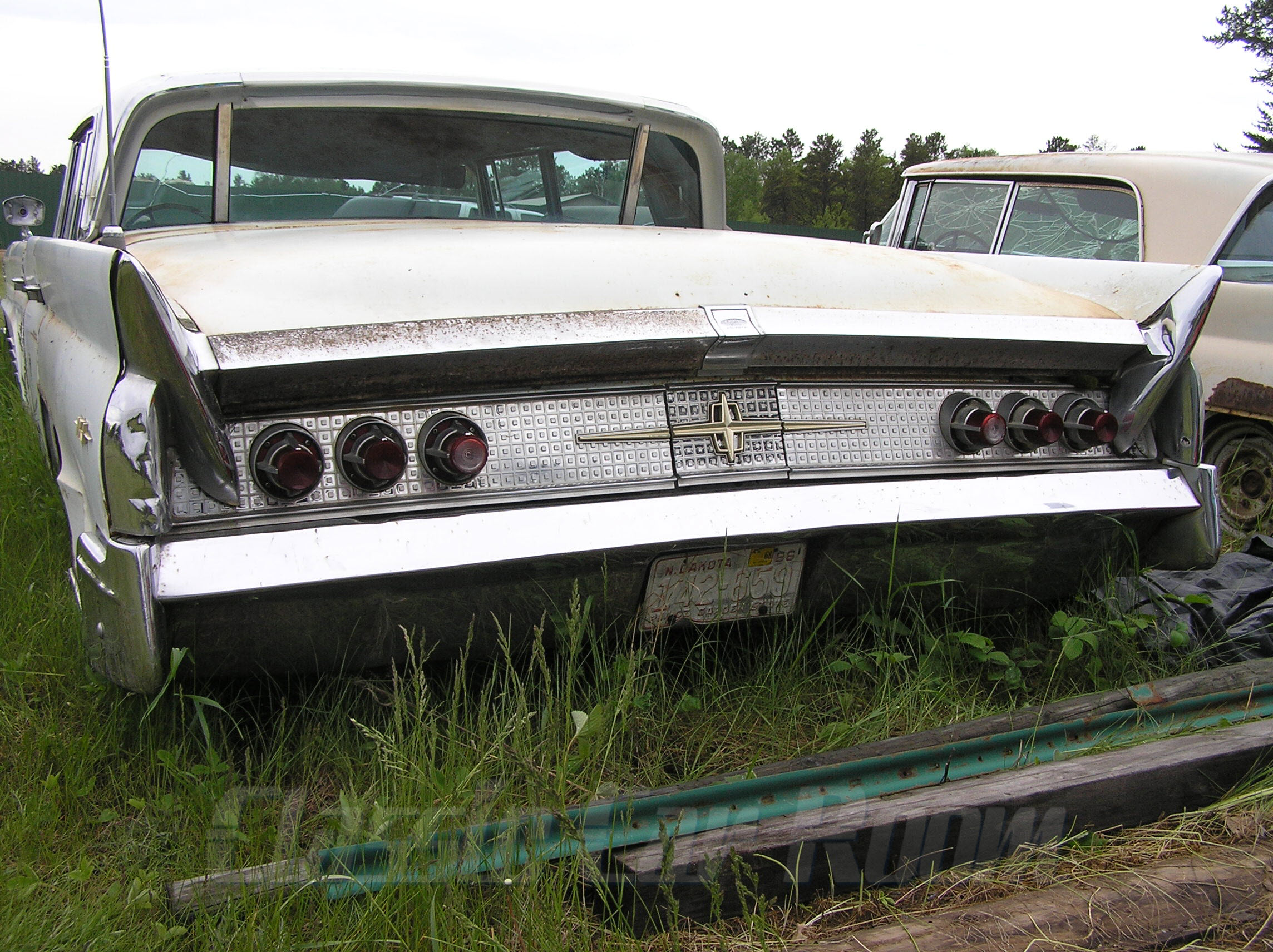 1960 Lincoln Mark V Rear