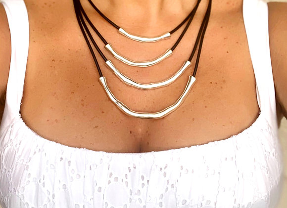 Four lines necklace with leather