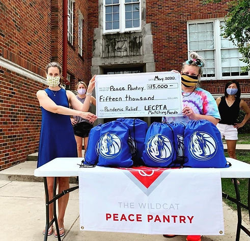 peace%20pantry%20donation_edited.jpg