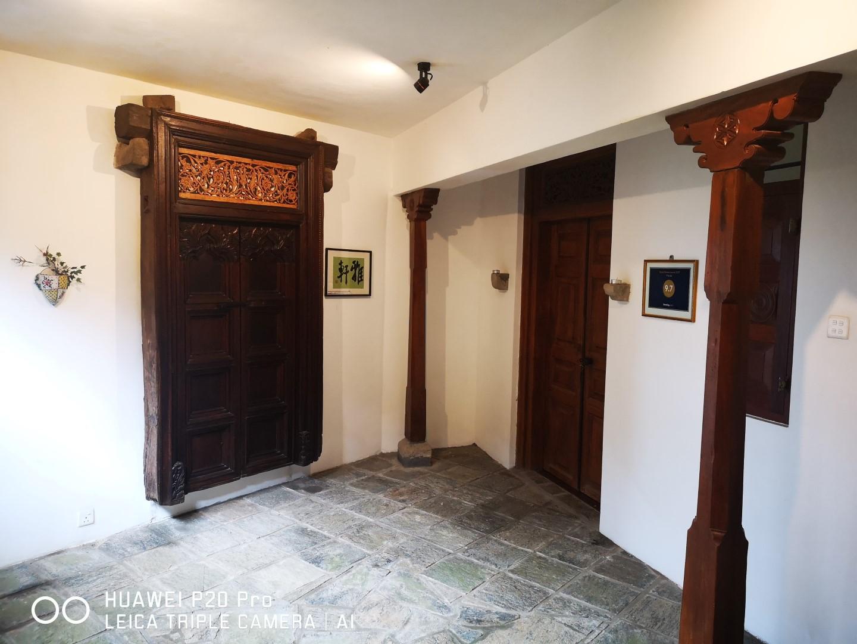 guests floor lobby