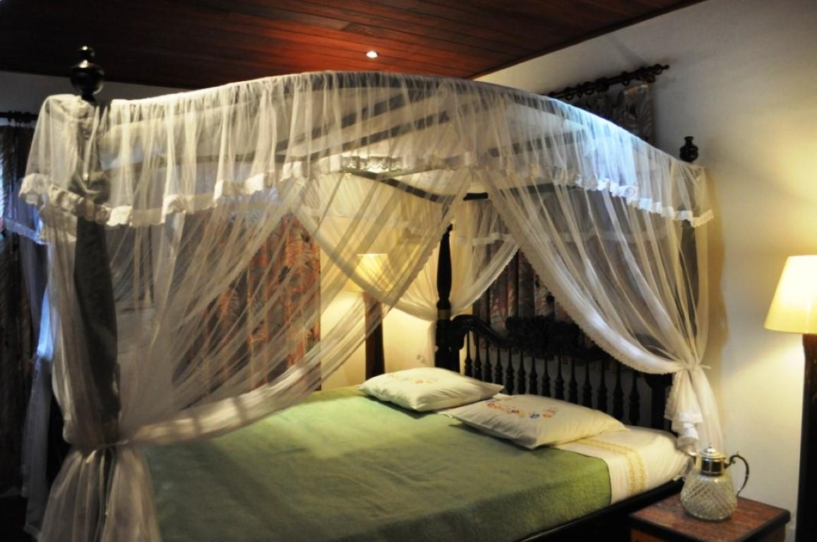 215cmx200cm Bed