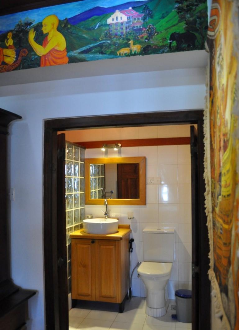 Atached bathroom (satin wood/ebony)