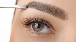 Augenbrauen faconieren