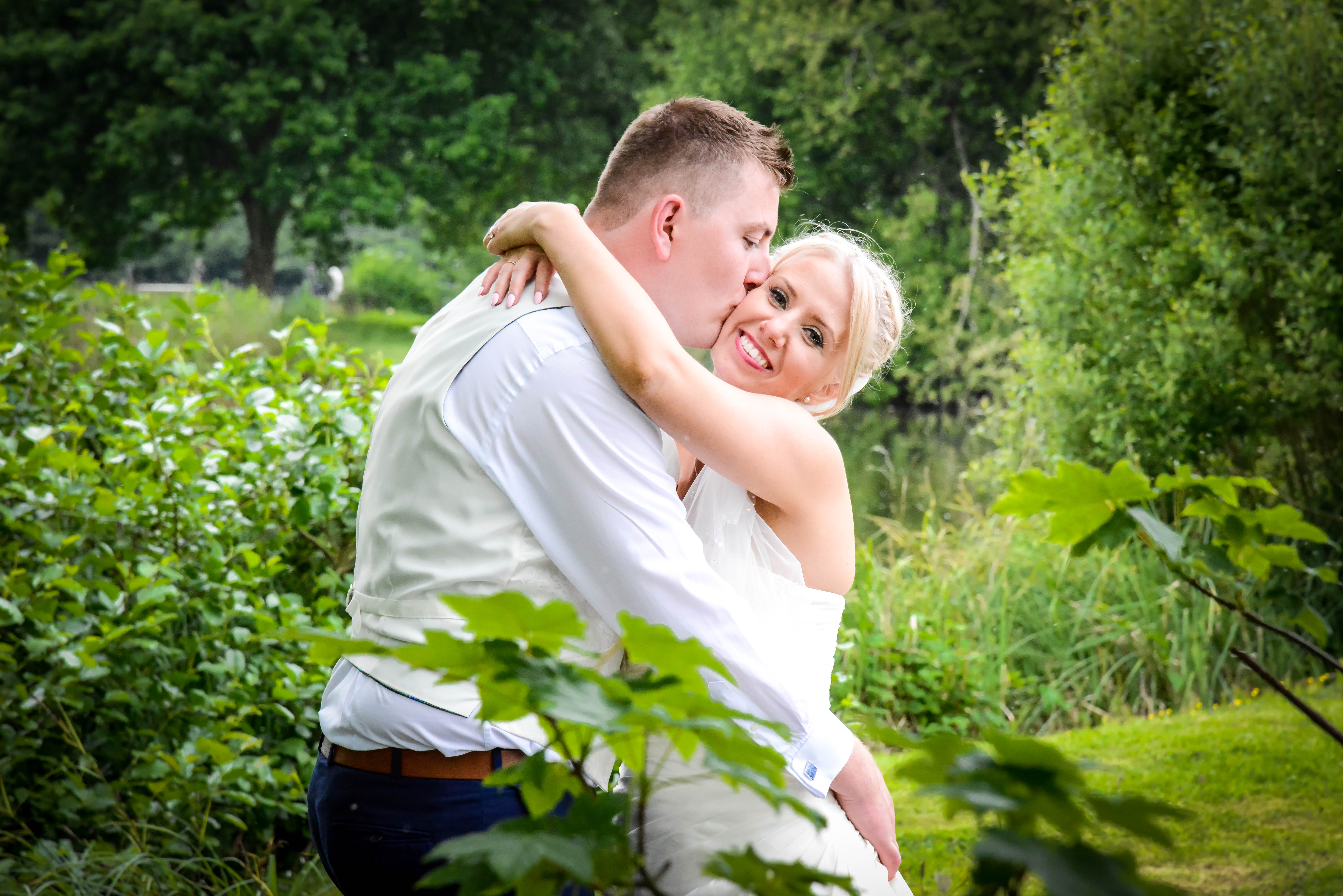 Natalie and Dan - Duncton Mill FRJ4429