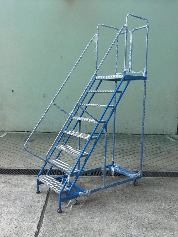 Safety/Rolling Ladders
