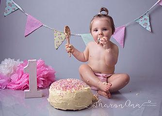 Photographer Great Barr, Cake Smash Photographers, Cake Smash Photography, Birmingham, Cake Smash Photographers,first birthday cake, birthday photo cake, 1st birthday photo shoot