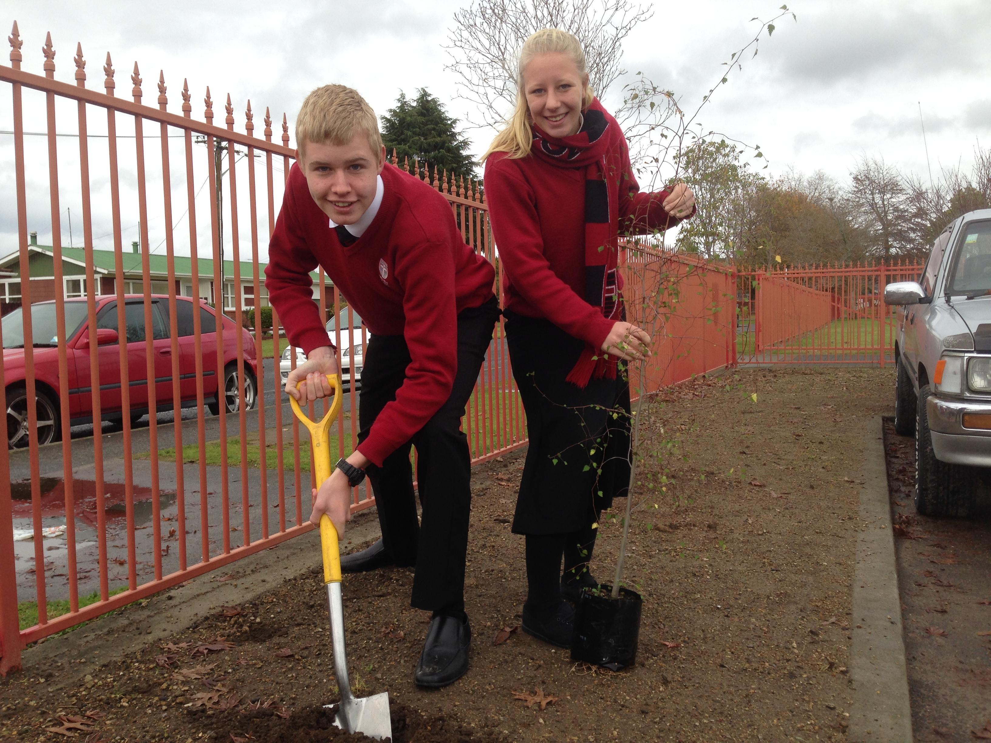 John Paul College Rotorua Tree Planting Pic 3