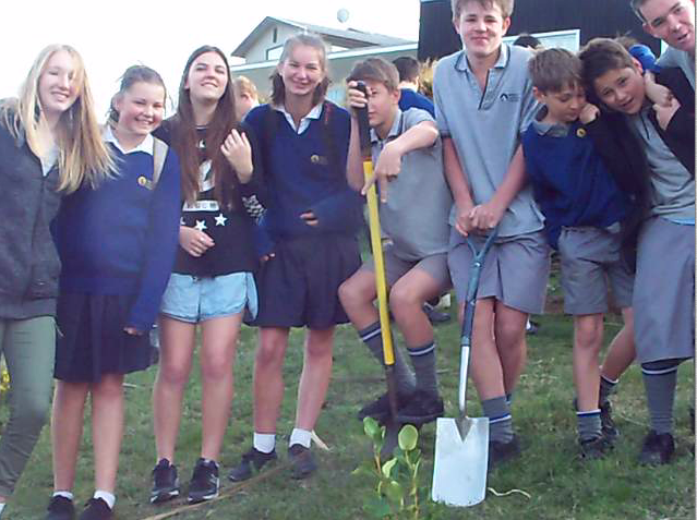 Tree_planting_11.png
