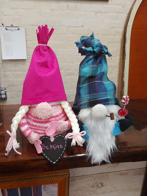 Pair Valentine Gnomes Feb 4th - 6pm