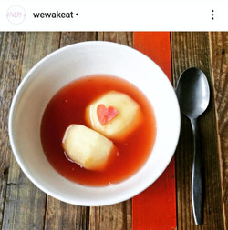 Mi-so loving apple dessert soup to show the love on the bowl ♥️