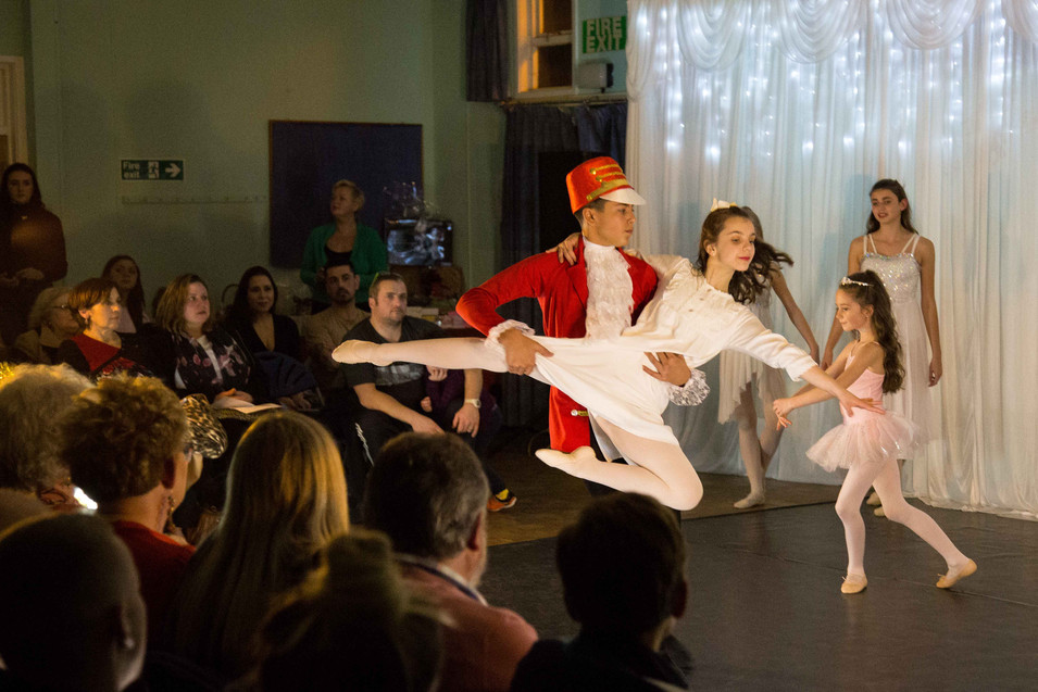HB Theatre & Dance Christmas Show 256 Si