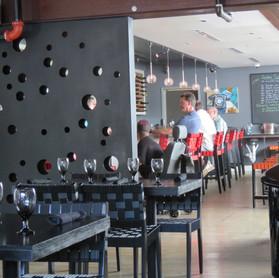 5. Handsome Cab Restaurant