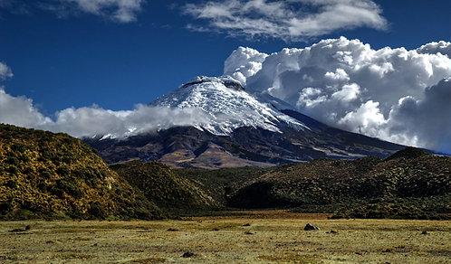Full Day: Volcán Cotopaxi - Laguna Yambo