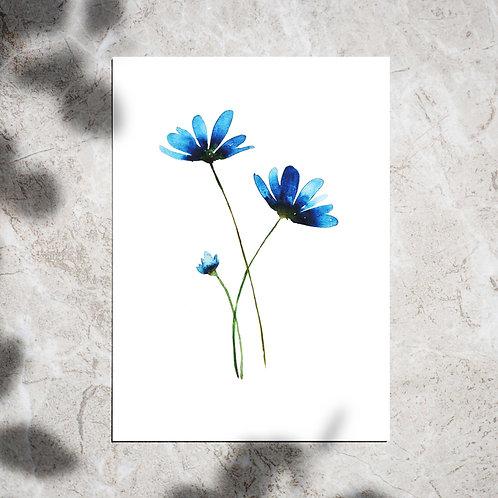 Ansichtkaart met blauwe bloemen