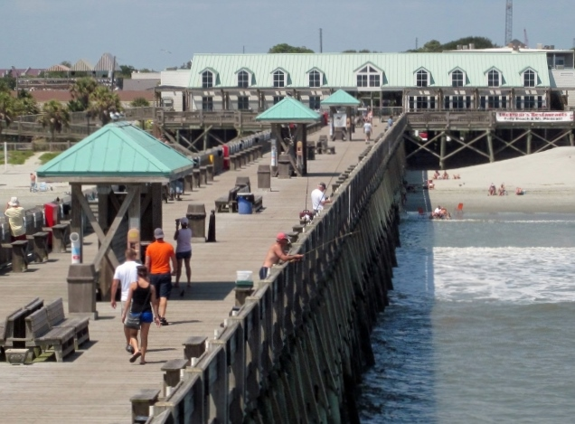 There is no fee to stroll the 1,000 foot pier.