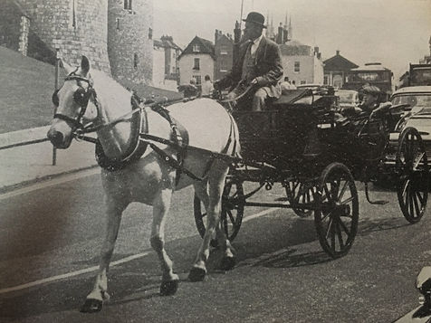 windsor carriages landau in windsor high street. history