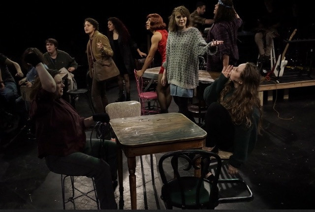 Elise in Rent.