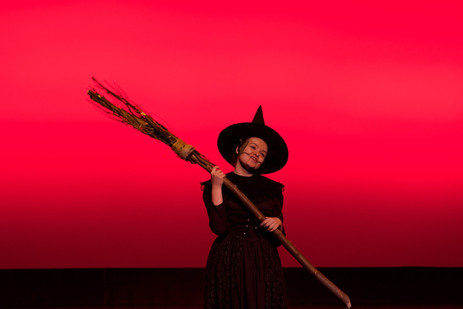 Elise in The Wizard of Oz.