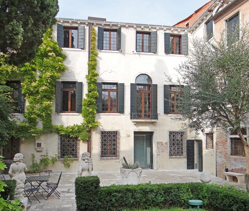 Le_Casino_Zane_(Venise)_(9987813334).jpg
