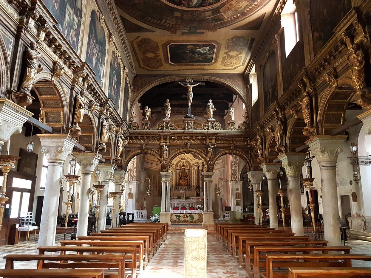 Interior. Ciclo de pinturas de la vida de Jesucristo