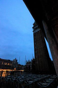 El campanile por la noche