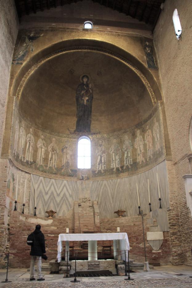 El ábside principal con un mosaico con la figura de una Virgen Hodegetria