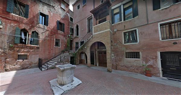 Pozo y palacio Morosini