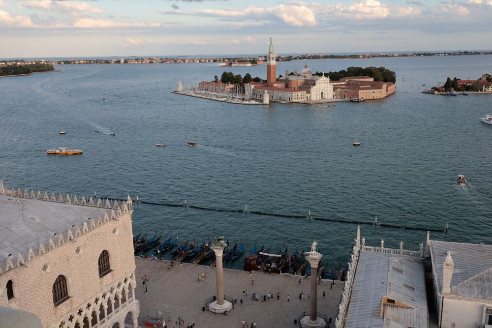Vistas hacia el Sur: la isla de San Giorgio Maggire; las columnas de San Marcos…