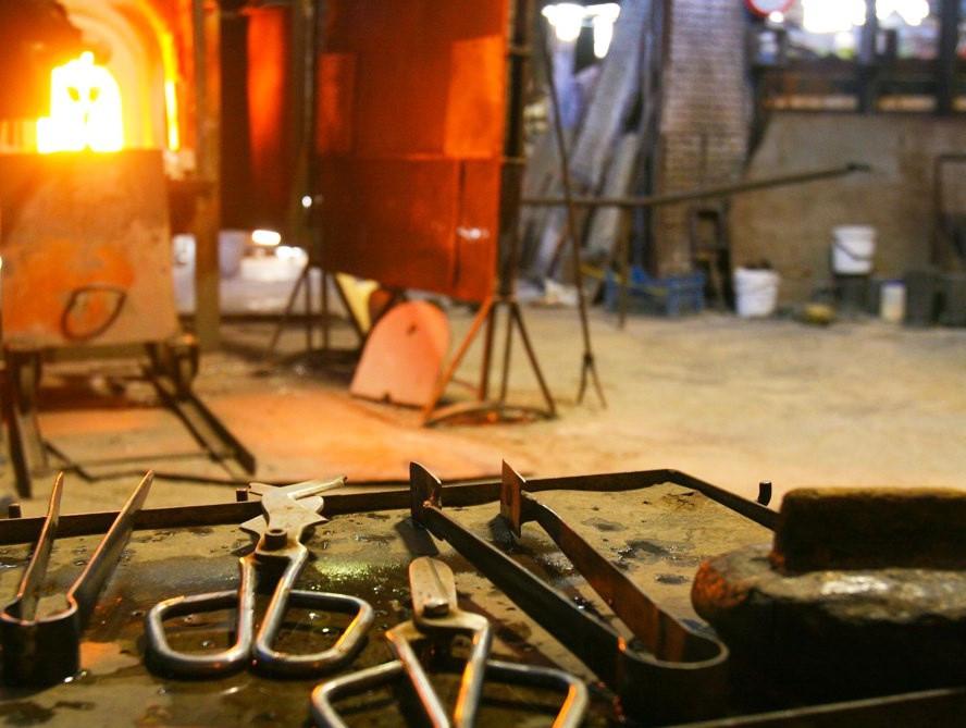El horno (Fornace) y herramientas del maestro vidriero
