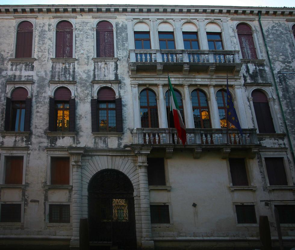 Facciata_di_palazzo_Grimani_Santa_Formos