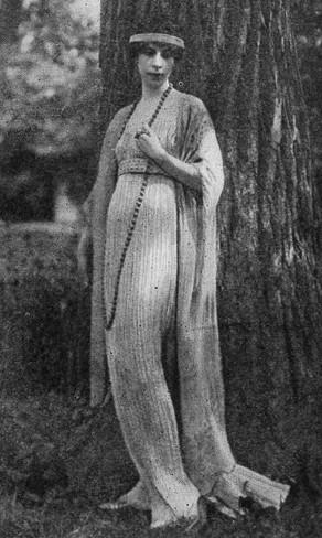 La señora Conde Nast con un vestido de Fortuny