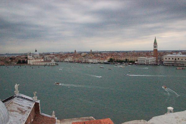 Vista desde el campanario de la entrada del Gran Canal con la Punta de la Dogana y la Plaza de San Marcos a la derecha