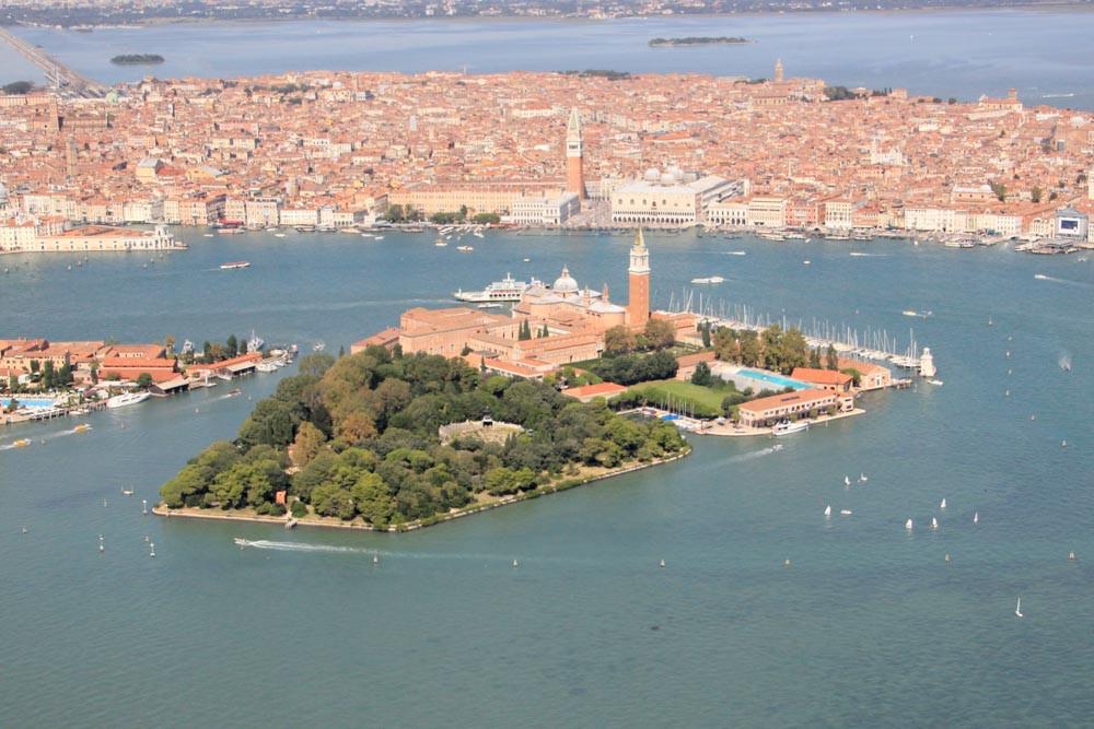 Venecia y la isla de San Giorgio Maggiore desde el aire