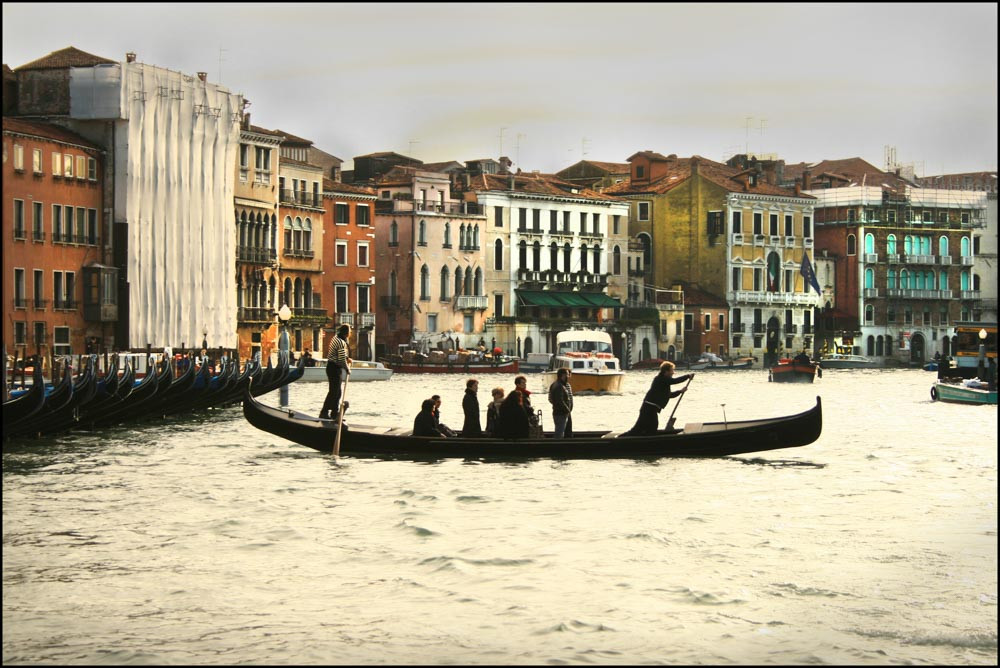 Traghetto.Laima Gūtmane (simka…, CC BY-SA 3.0 <https://creativecommons.org/licenses/by-sa/3.0>, via Wikimedia Commons