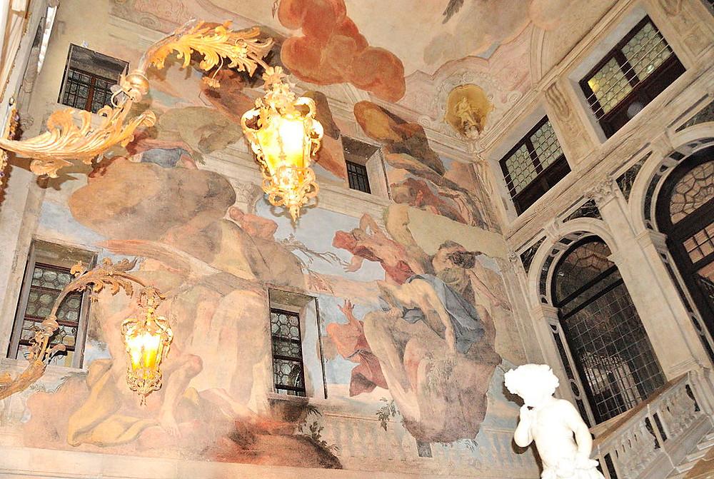 Interior Palacio Sagredo. Foto: gnuckx, CC BY 2.0 <https://creativecommons.org/licenses/by/2.0>, via Wikimedia Commons