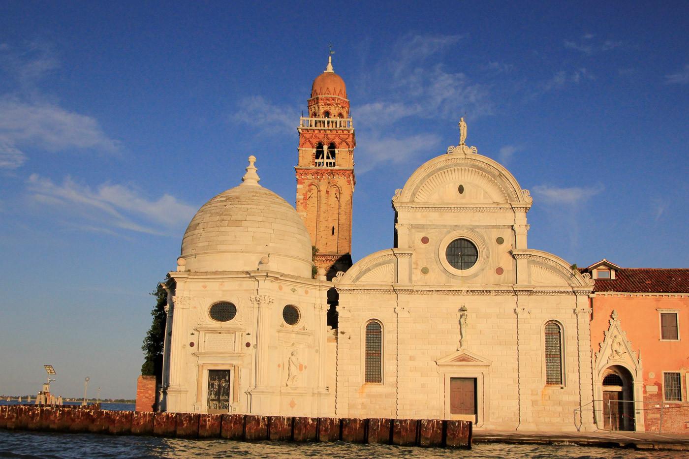Fachada iglesia de San Michele