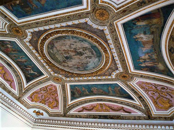 La sala neoclásica. Foto: Paperoastro, CC BY-SA 3.0 <https://creativecommons.org/licenses/by-sa/3.0>, via Wikimedia Commons