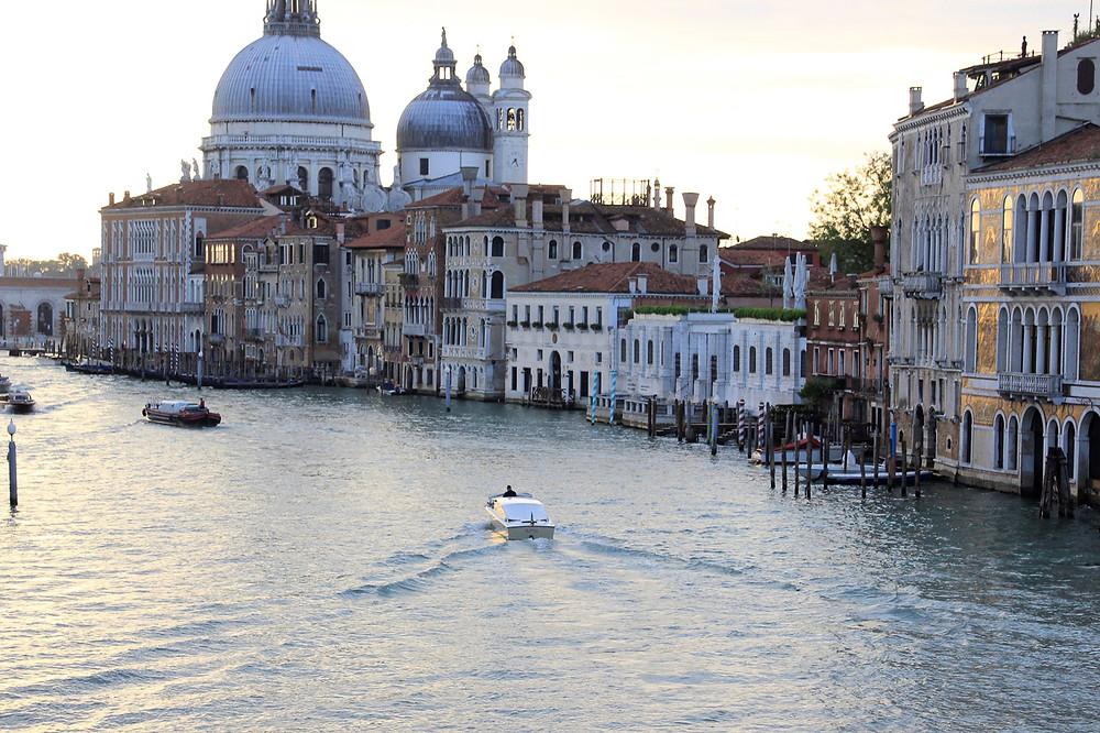 El Gran Canal desde el puente de la Academia