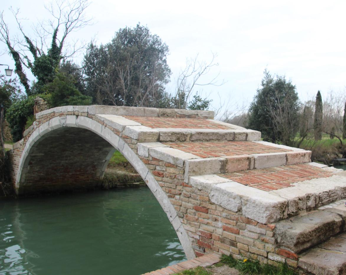 El puente del Diablo sin barandillas