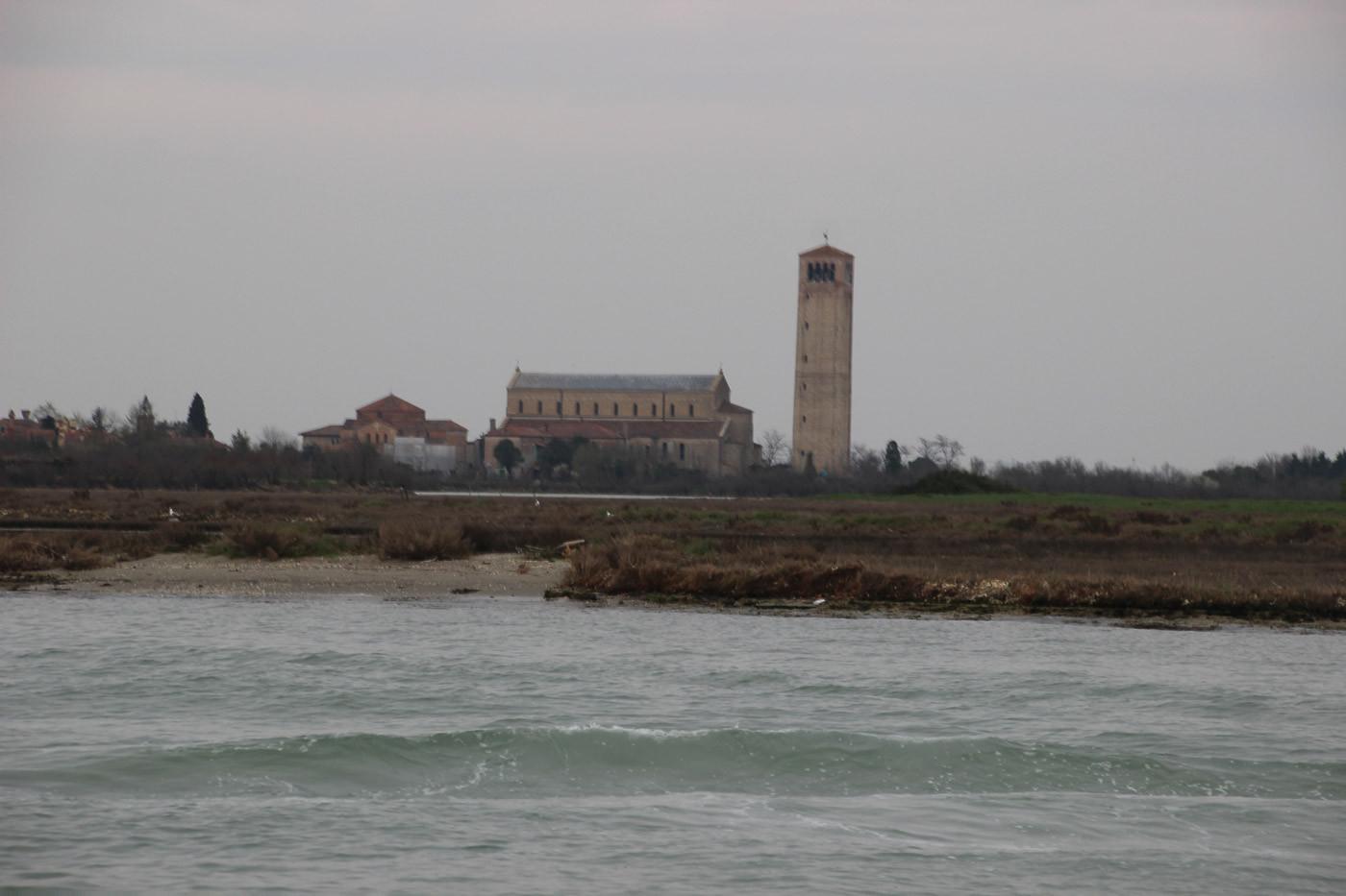 Vista del campanile desde la laguna