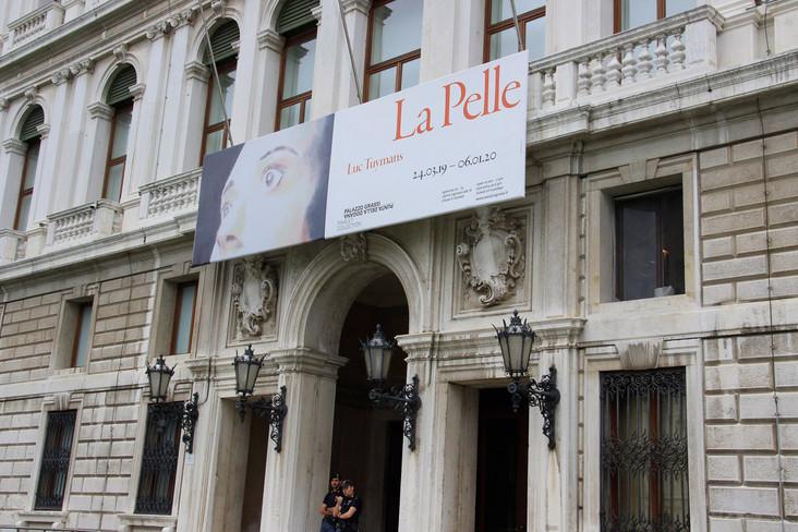 Detalle fachada Palazzo Grassi