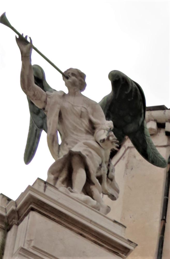 El Ángel de la Fama