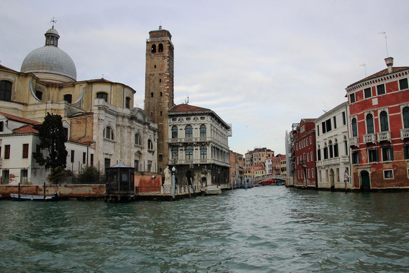 Fachada al Gran Canal. Entrada Canal Cannaregio
