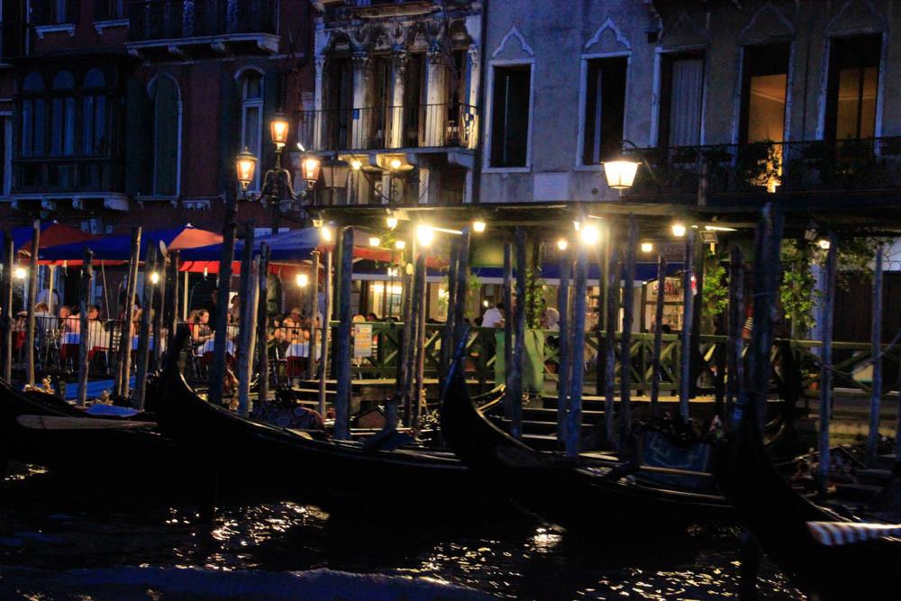 Los restaurantes al borde del Gran Canal en Riva del Vin