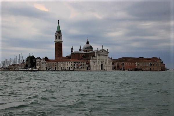 La isla de San Giorgio Maggiore. En el centro la Basílica del mismo nombre