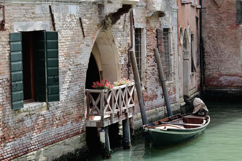 Romántico balconcito desde el Puente de l'Ogio