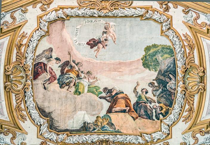 Abraham que adora a los 3 ángeles de Fontebasso. Interior de la iglesia