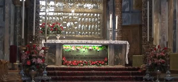 El cuerpo de San Marcos en el Altar Mayor
