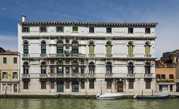 Palacio Surian Bellotto