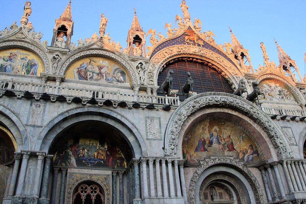 Fachada Basílica San Marcos